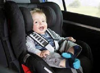 Higienização de cadeira infantil